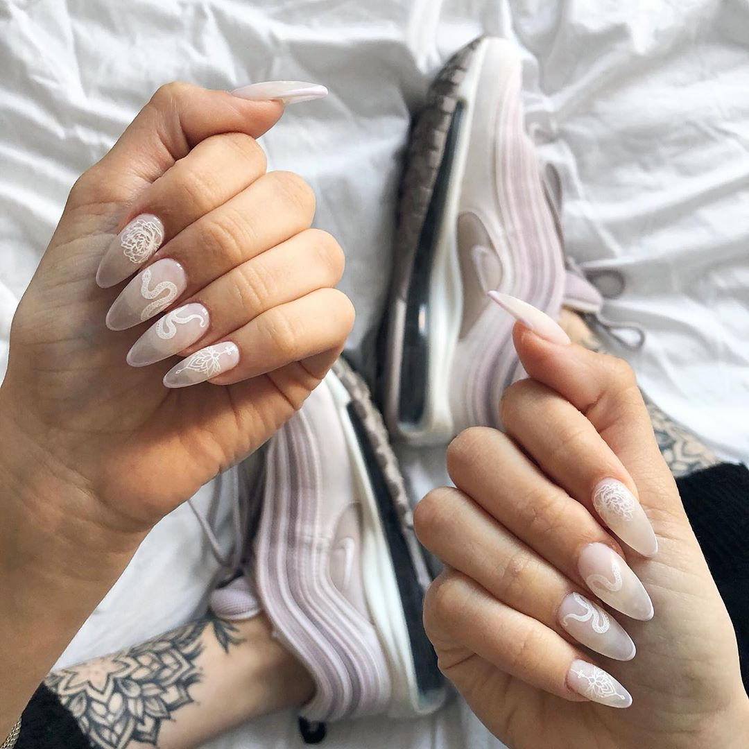 38-acrylic-nail-designs-will-fascinate-your-environment-2020